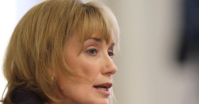 New Hampshire Gov. Maggie Hassan To Challenge Ayotte in 2016