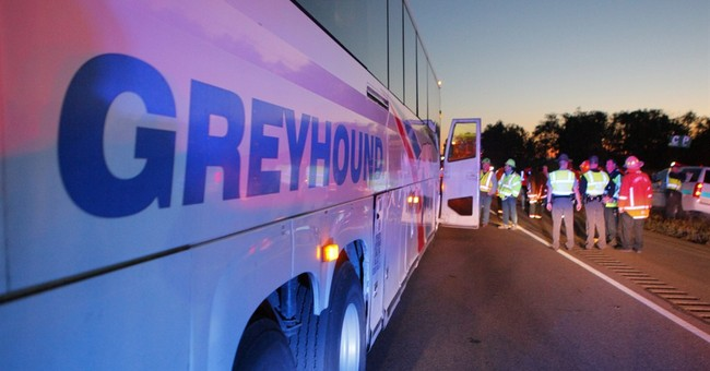 Chicago man accused of terroristic threats on Greyhound bus
