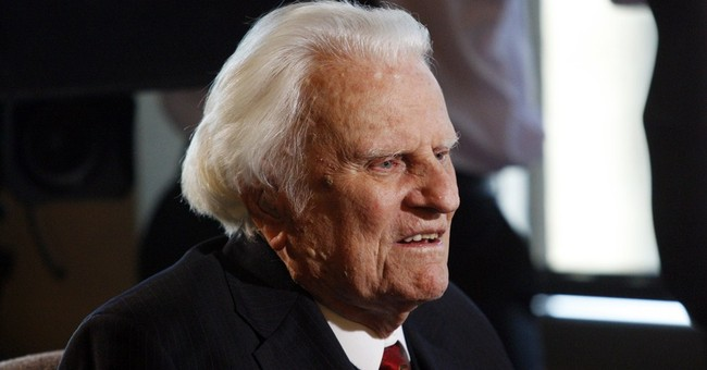 A Class Act vs. A Classless Hack: Billy Graham vs. Barack Obama