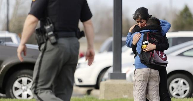 2 people injured in shooting near Ohio school