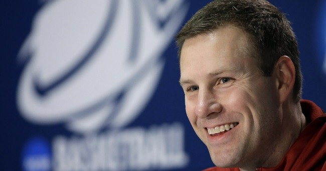 Iowa St bumps Hoiberg's salary to $2.6 million
