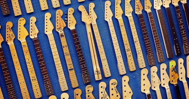 AP PHOTOS: Stratocaster still a favorite at 60