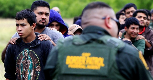 US arrests more than 200 immigrants in Texas