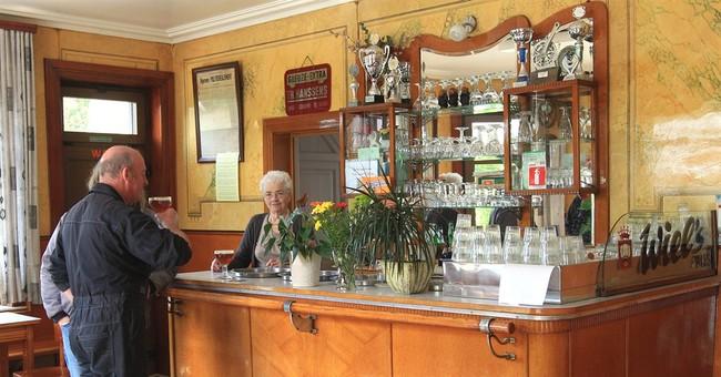 Brewers seek to rekindle Belgium's love of beer
