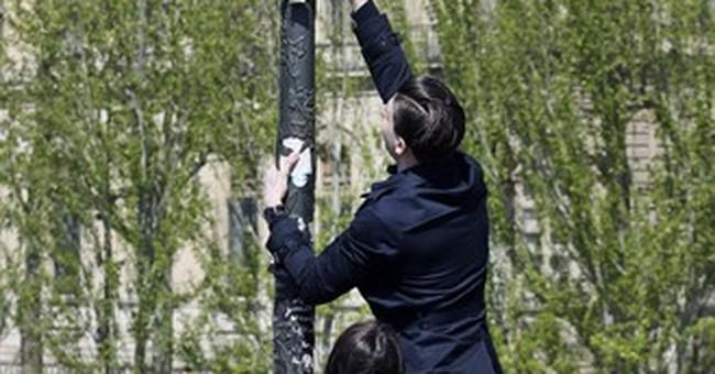Aesthetics-minded Americans decry Paris love locks