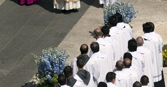 Pope Francis, huge crowd joyously celebrate Easter