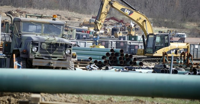 Fracking foes cringe as unions back drilling boom