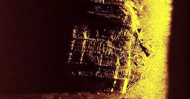 Sub records detailed images of WWII wreck