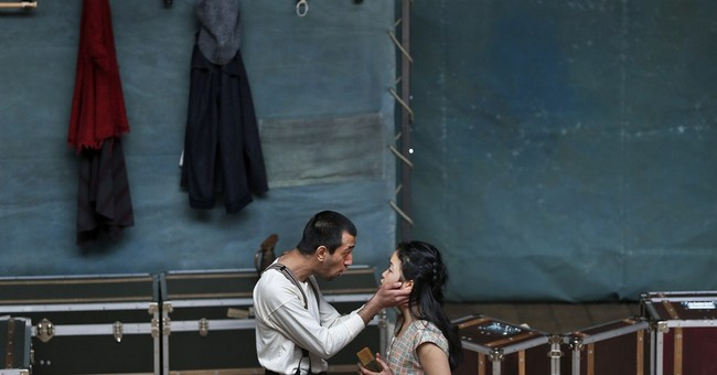 Shakespeare's Globe taking 'Hamlet' to 200 nations