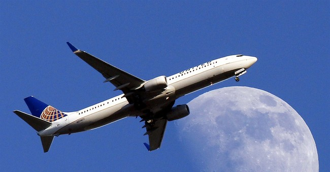 United loses money; other airlines post 1Q profits