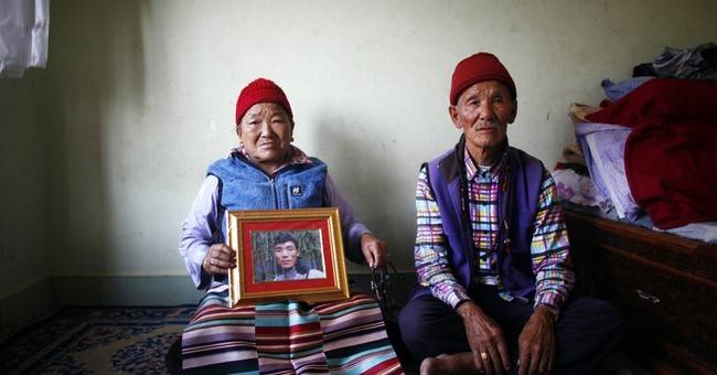 Everest climbing season in disarray after deaths