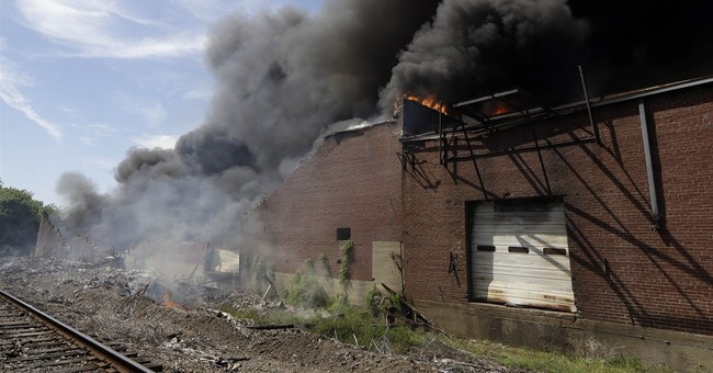 4 Memphis firefighters hurt when wall collapses
