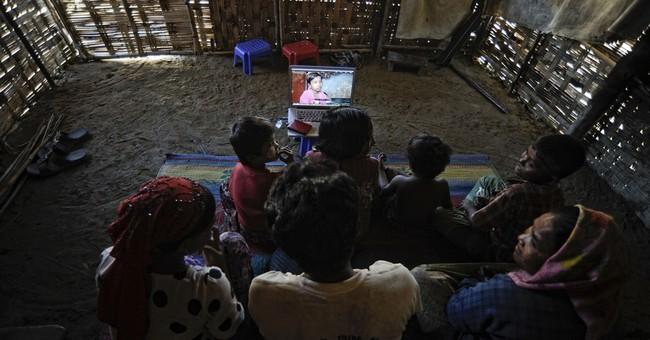 Desperate Rohingya kids flee alone by boat