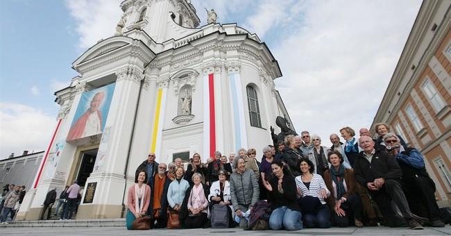 Pilgrims amass in Poland to celebrate John Paul II