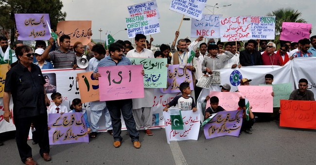 In Pakistan, signs praise spies as nation changes