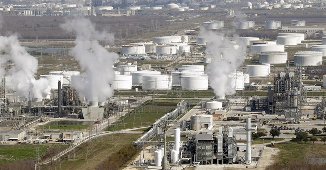 Economists back increased US oil and gas exports