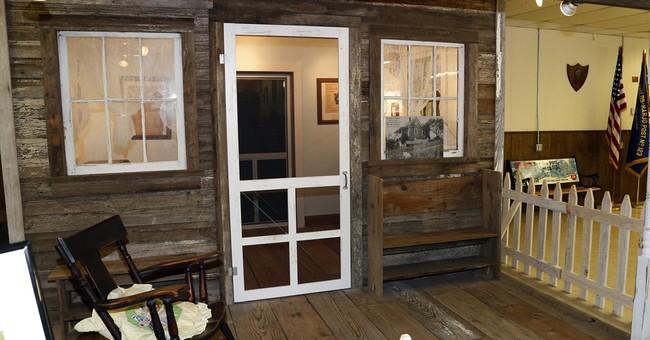 Guitar auction benefits rebuilding Guthrie's home