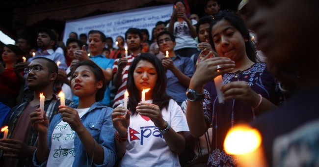 Memorial service held for Mount Everest victims