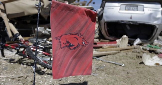 Arkansas residents resolve to stay after twister