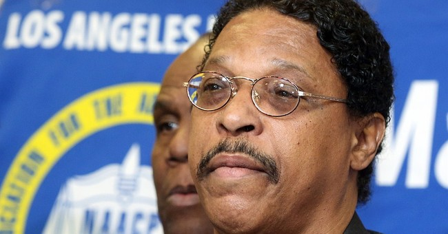 LA NAACP head resigns over move to honor Sterling