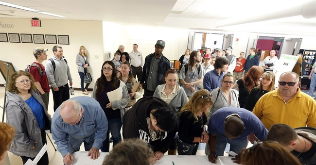 Applications for unemployment benefits rise 14K