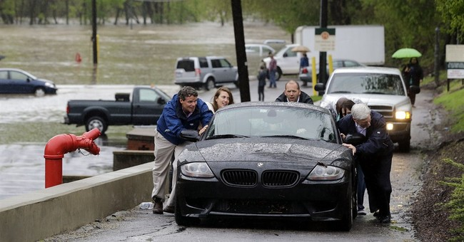 Collapsed Baltimore street to stay evacuated