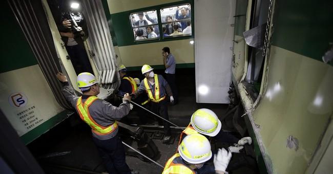 Seoul subway trains crash, scores injured lightly