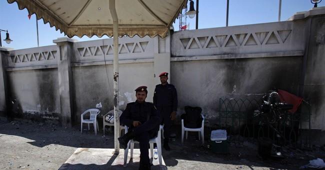 Bahrain: Firebombers damage shops near police post