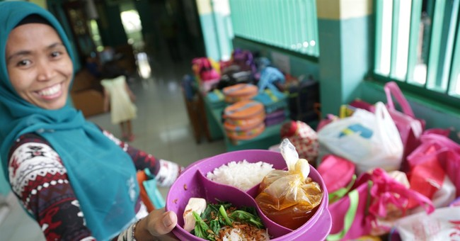 AP PHOTOS: A taste of school lunches around world