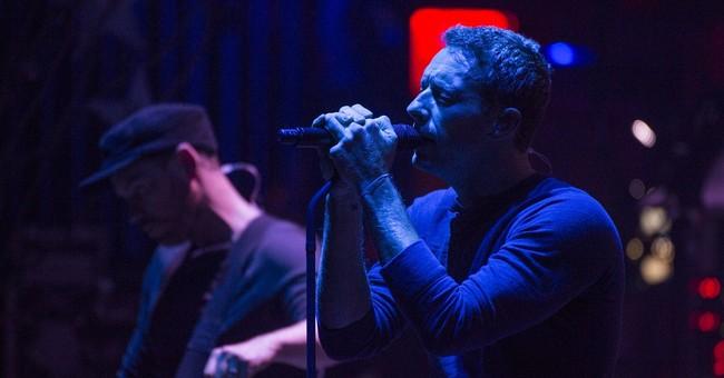 Coldplay dedicates song to Jagger at NYC concert