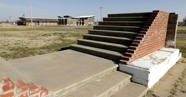 Tornado-stricken town rebuilds with clean energy