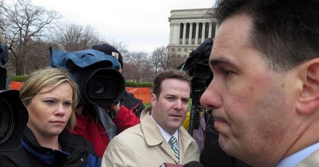 Appeals court delays Wisconsin governor's big win