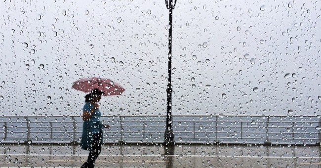 Israel evacuates US tourists stranded by rains