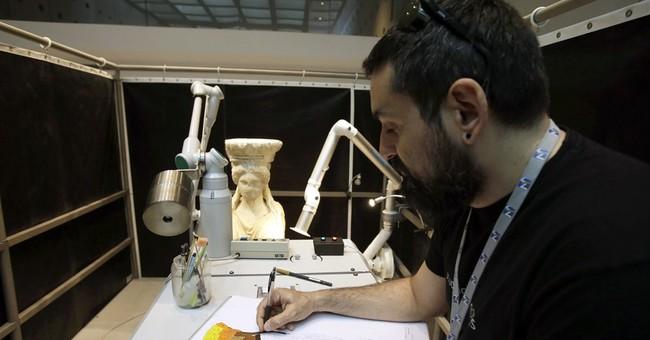 "Acropolis' famed Caryatids get ""cosmetic surgery"""