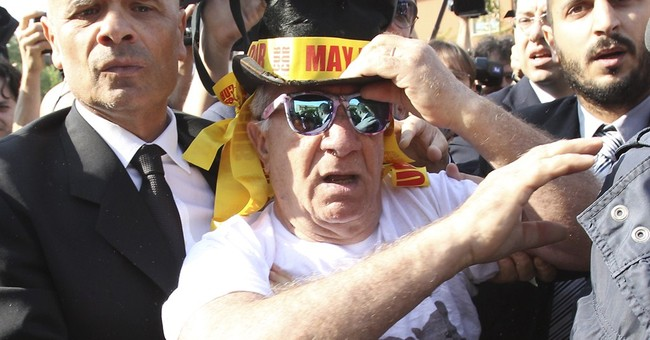 Berlusconi begins community service