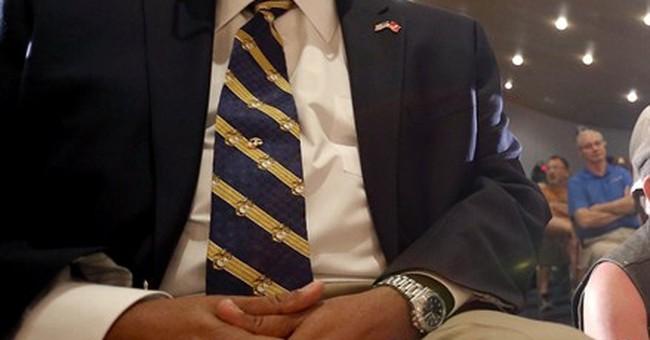 Phoenix vets relay anger with VA to Sen. McCain