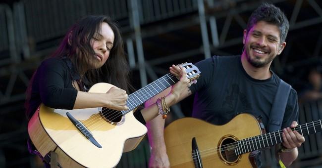 Rodrigo y Gabriela add something special: voice
