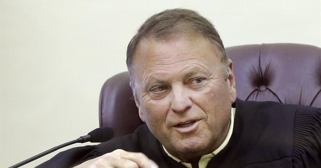 Judge opens door to gay weddings in Arkansas