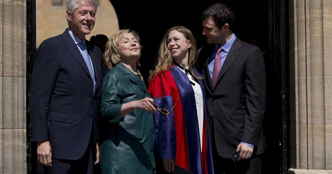 Talk of Hillary campaign forces out old issues