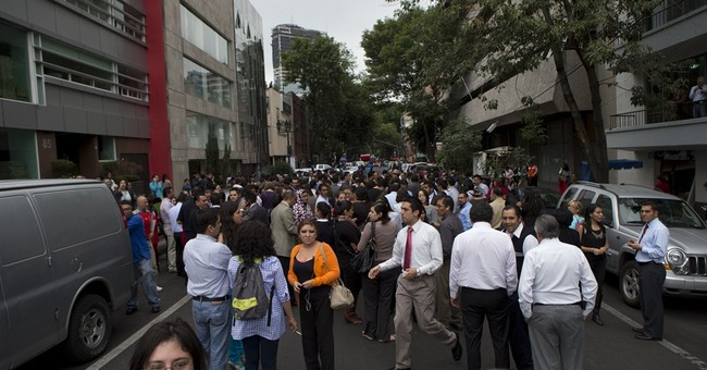Quake shakes western Mexico, but little damage