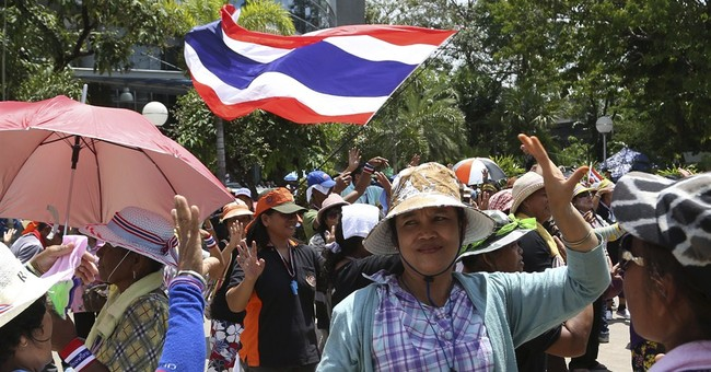 Thai gov't supporters warn on unelected premier