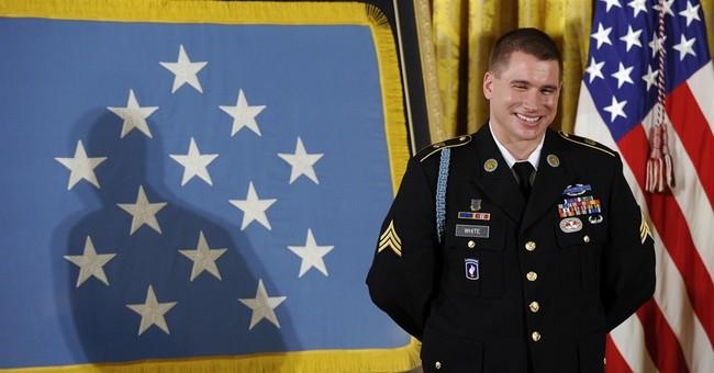 Obama presents top medal to Afghanistan veteran