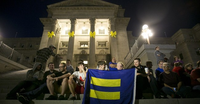 Appeals court puts Idaho gay marriages on hold