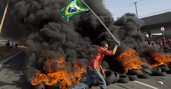 Brazil police clash with anti-World Cup protesters