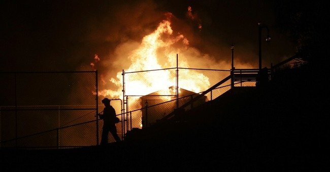 Flare-up keeps San Diego fire situation tenuous