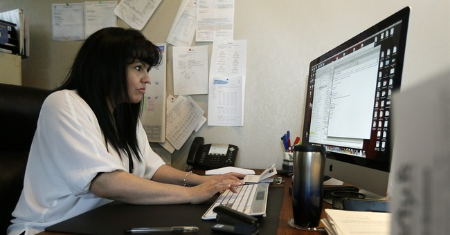 Women starting small businesses at torrid pace