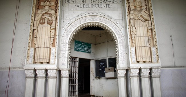 Fight for 'Alcatraz of Caribbean' in Puerto Rico