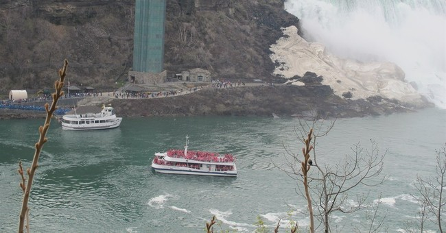 Niagara Falls competition springs up for 1st time