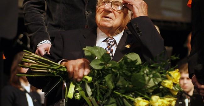 Czech president honors Sir Nicholas Winton