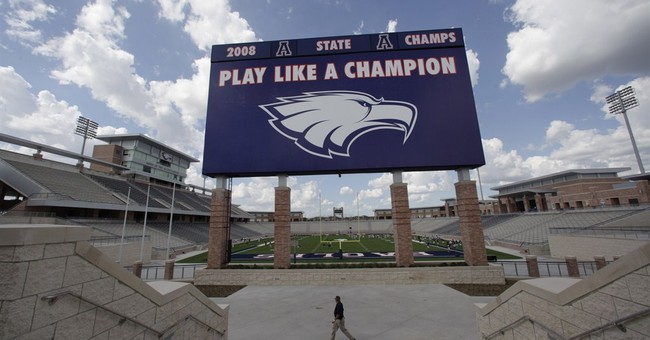 $60M Texas high school stadium closed by cracks
